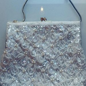Vintage Beaded Pearl Purse w/Kiss Clasp 1950s